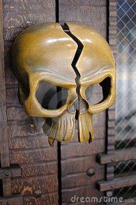 skull-door-handle-13180905